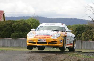 Porsche yumping