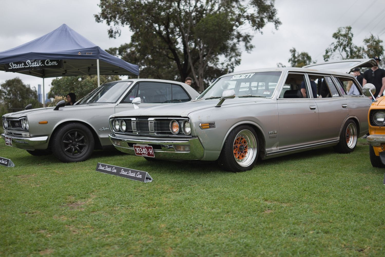 Hako and Datsun 260c Deluxe Wagon (H230)